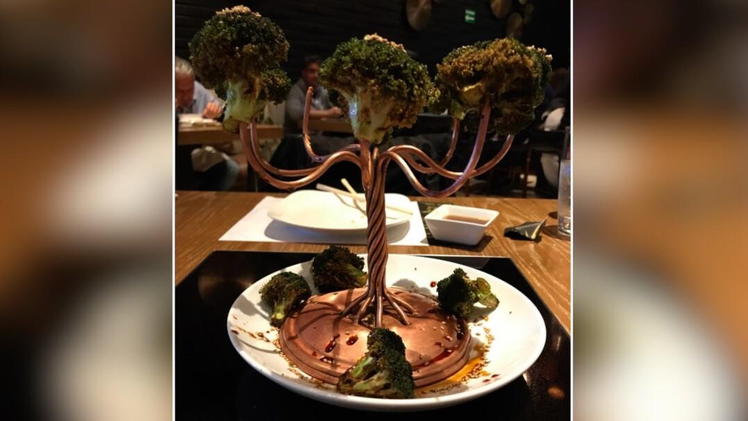 Brokuły na wieszaku czy ser w bucie. Nietypowo podane dania