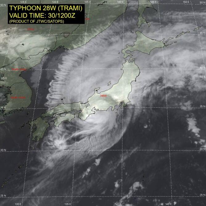 Położenie tajfunu Trami (JTWC)