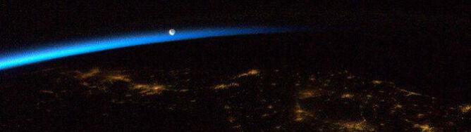 Hadfield powoli żegna się z Kosmosem