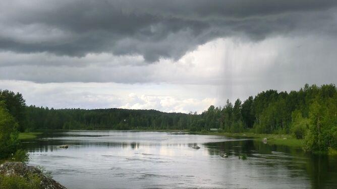Intensywne opady i zagrożenie podtopieniami